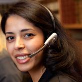 Kmar Chachoua unterstützt unser Team der Kundenbetreuung.