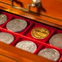 Künker berät Münsammler ausführlich über Möglichkeiten der Einlieferung.
