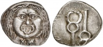 POPULONIA. AR-20 Asses, 3. Jahrhundert v. Chr.; 8,45 g. Rutter, Historia Numorum 150; Vecchi, The coinage of the Rasna II, 31; Vecchi, Etruscan Coinage 48.79 (dies Exemplar).