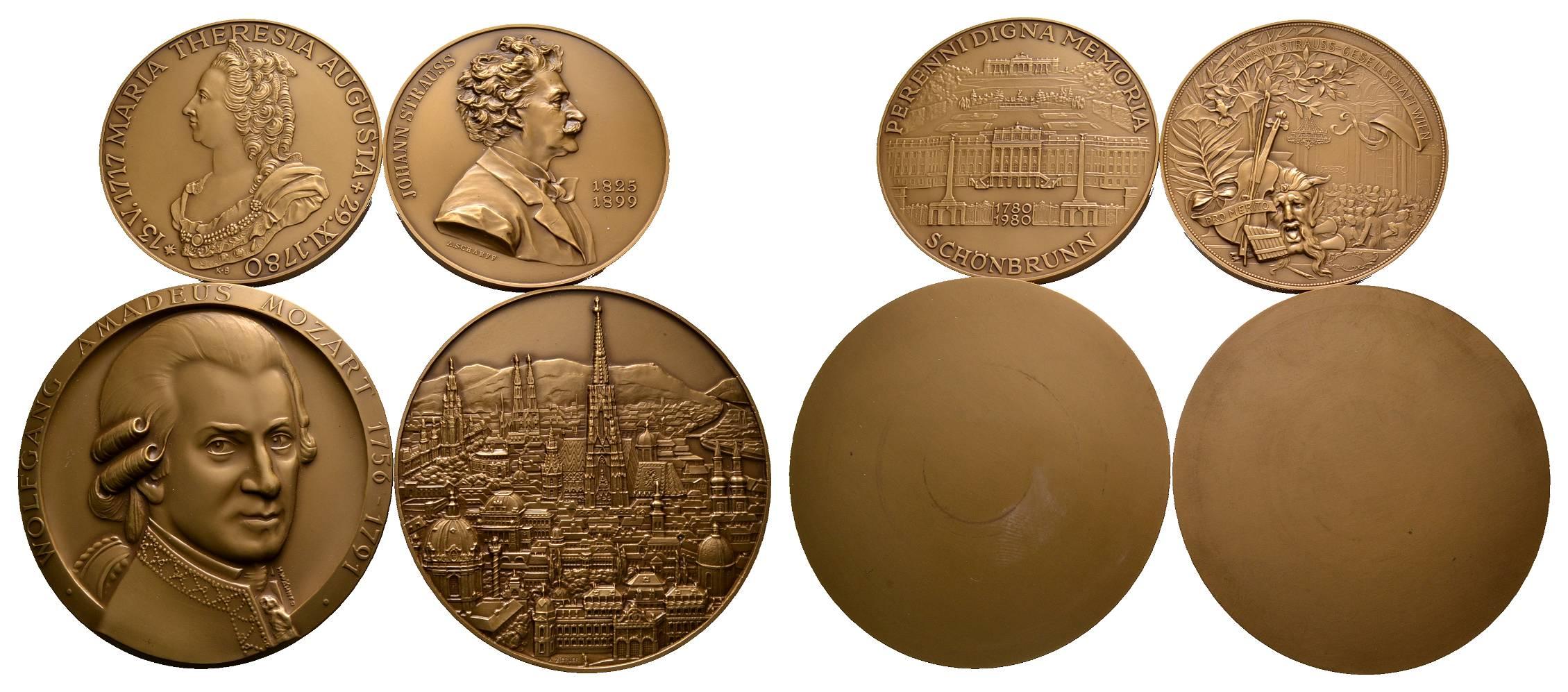 Lot Von Fünf Bronzemedaillen Medaille 1915 Auf Feldmarschall